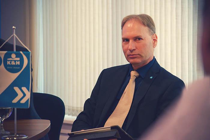 Gombás Attila, a K&H Csoport pénzügyi vezetője